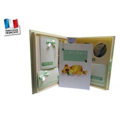 http://cadeaux-naissance-bebe.fr/1001-9396-thickbox/le-coffret-de-ma-naissance-poussin-bleu.jpg