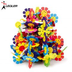 http://www.bambinweb.com/1468-14369-thickbox/jeu-de-construction-fleurs-en-bois.jpg