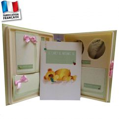http://www.cadeaux-naissance-bebe.fr/4233-14348-thickbox/coffret-naissance-complet-avec-kit-empreinte-bebe.jpg
