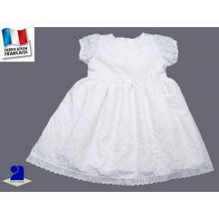 http://www.bambinweb.com/4401-10530-thickbox/robe-broderie-anglaise-blanche-fille.jpg